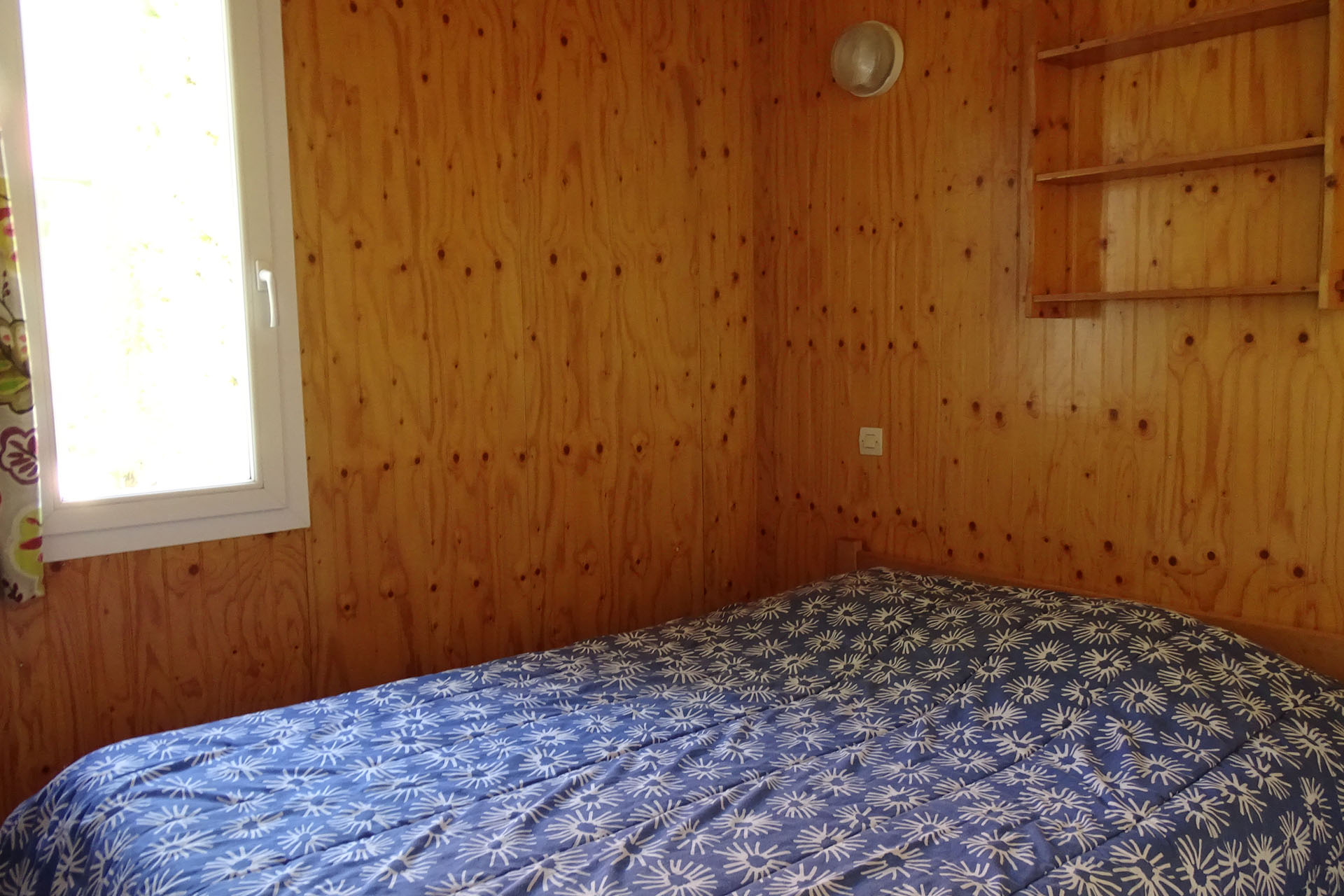 chambre double chalet location yonne bourgogne 89